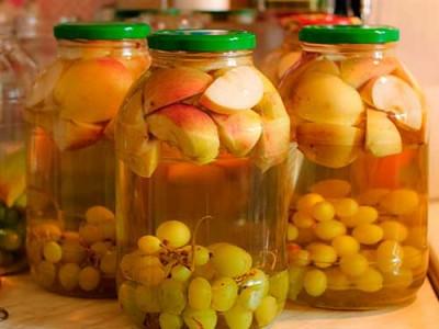 яблоки и виноград компот