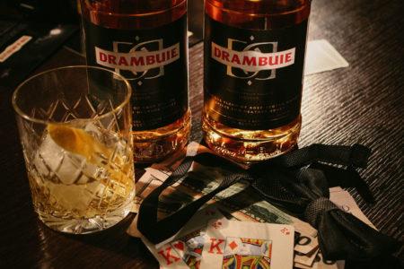 Ржавый гвоздь. Классический напиток с виски и драмбуи.