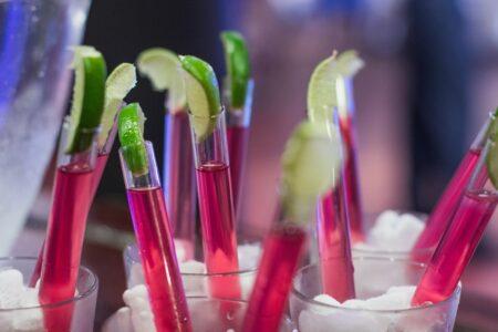 Арбузные вечеринки в пробирках - хит на домашней вечеринке.