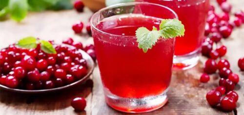 Морской бриз - напиток с водкой и клюквенным соком.