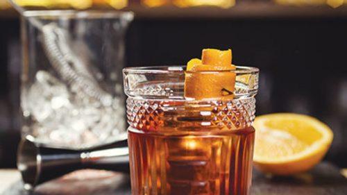 Old Fashioned - напиток с виски времен сухого закона.