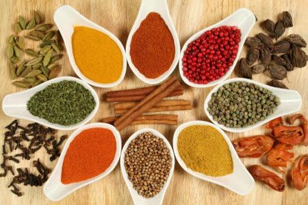 Специи могут смягчить вредное воздействие жирной пищи на сердце