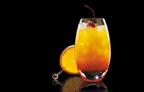Рецепт текилы санрайз. Красочный напиток с гренадином.