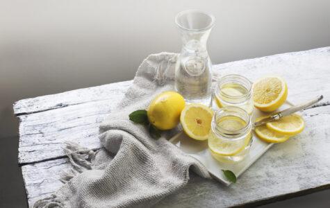 Пить лимонную воду натощак?
