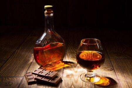 Chocolate Kiss - напиток с коньяком и шоколадным ликером.