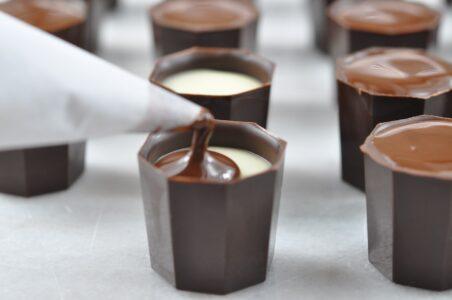 Домашний шоколадный ликер. Рецепт настойки из темного шоколада.
