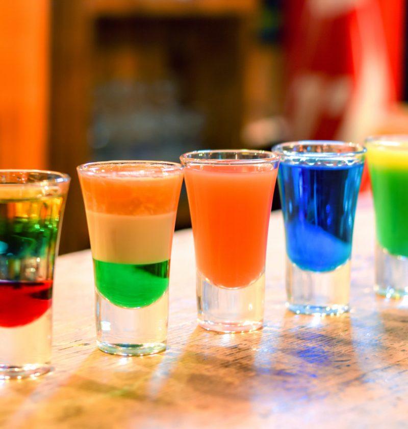 Красочные шоты - рецепты многослойных кислых шотов!