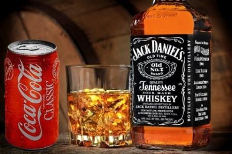 Виски, лед, кола