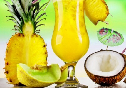 kokos-ananas-kokte- водка