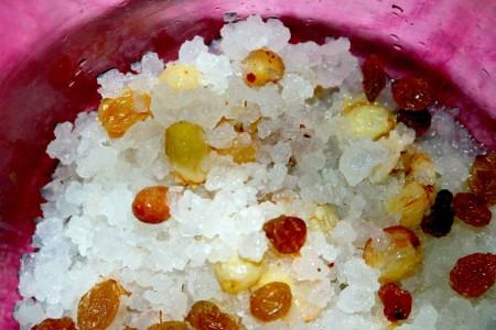 морской рис с изюмом
