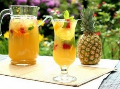 domashnij-ananasovyj-limnad
