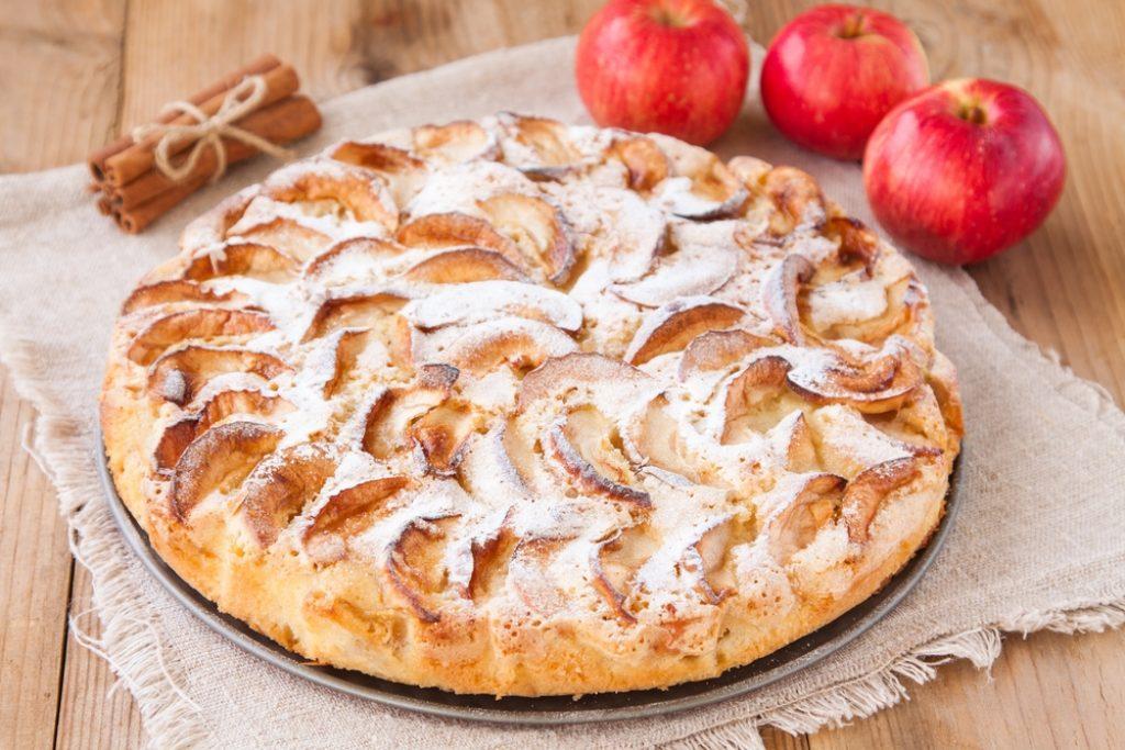 Воздушный пирог из яблок