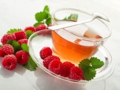 Чай с листьями смородины, малины и земляники